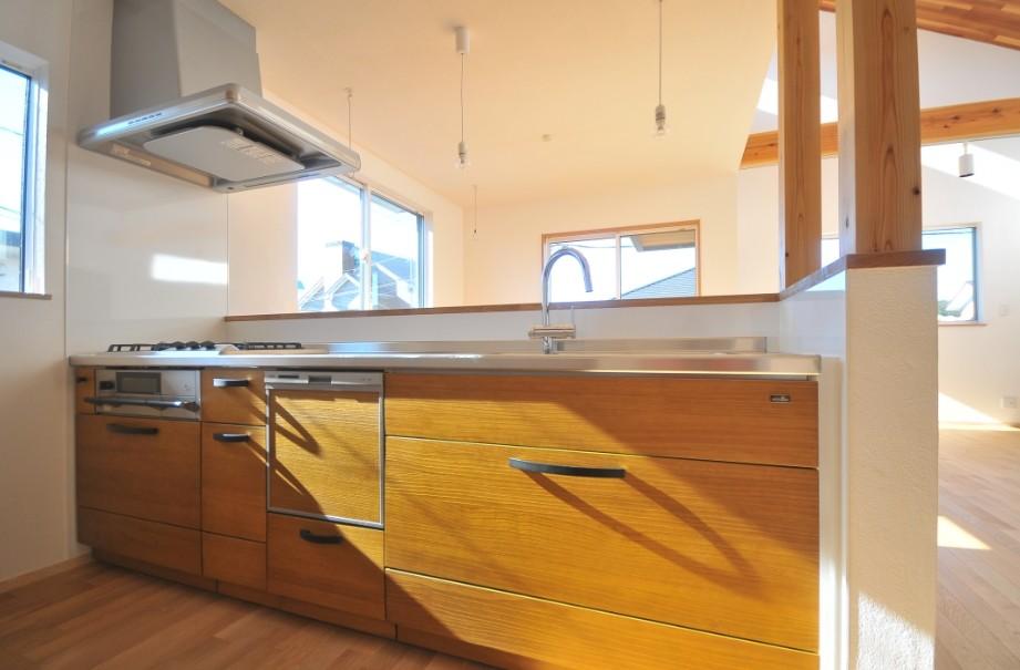 キッチン事例:キッチン(逗子の3代で受け継がれる2世帯住宅の家)