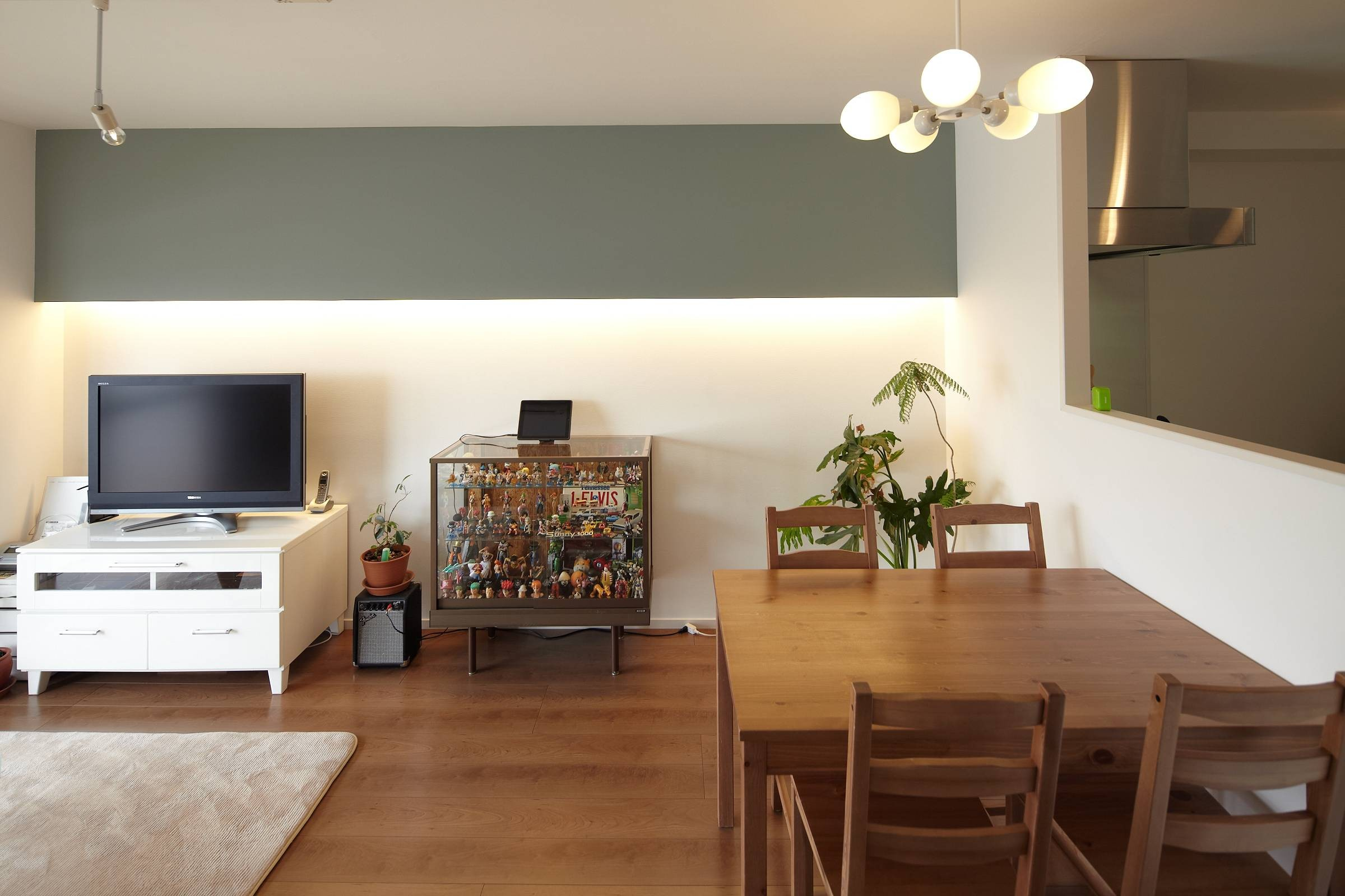 リビングダイニング事例:カフェのようなダイニング(千葉県A邸【60年代のカフェにいるような居心地の良い空間】)