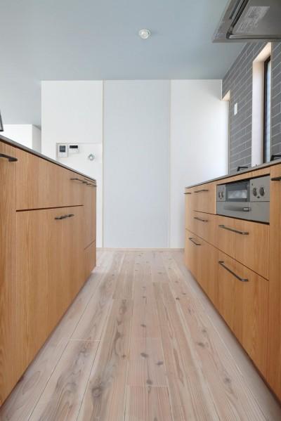 キッチン (コンバージョンK〜1階店舗2階住宅の中古住宅をフルリノベ!〜)