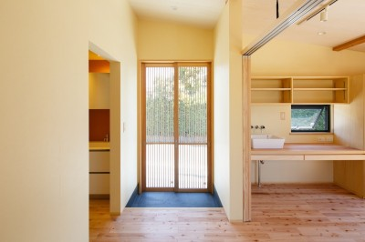 診療室 (庭を囲むL型の家〜診療室付 一戸建住宅)