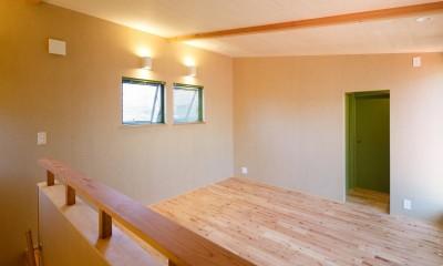 庭を囲むL型の家〜診療室付 一戸建住宅 (2階の予備室)