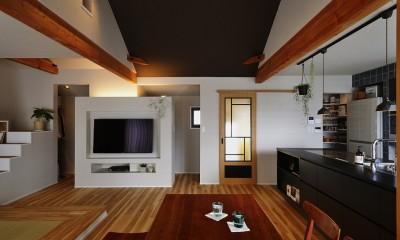 LDK|キッチンからはじまる家族の時間 ~LDKを2階に移動し、勾配天井で広がりのある くつろぎ空間に~