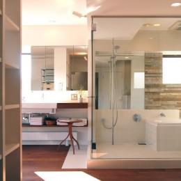 hippo_光ふりそそぐガラス張りの浴室を2階に (バスルーム)