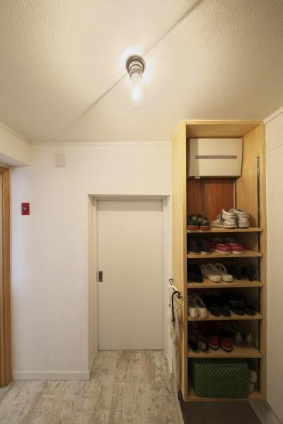 玄関 (中古マンションと「私たちらしい、住まい。」)