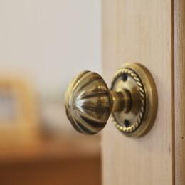 中古マンションと「私たちらしい、住まい。」 (造作ドア)