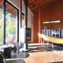 稲村ガ崎の海を望めるサーファーズハウスの写真 リビング