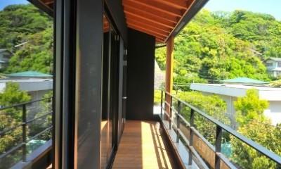 稲村ガ崎の海を望めるサーファーズハウス (バルコニー)