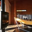稲村ガ崎の海を望めるサーファーズハウスの写真 薪ストーブ