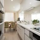 家も、気持ちも、若返ったみたい!『まるごと再生』で新築同様にの写真 キッチン