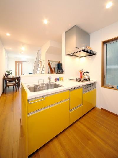 キッチン (自然と会話が生まれる、陽射しあふれる広々LDK)