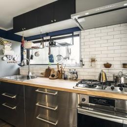 広くて使いやすい壁付けのキッチン