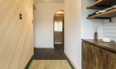 岐阜市O様邸 | BRAND NEW DAY-ヴィンテージ小物と暮らす家- (収納もたっぷり造った玄関)