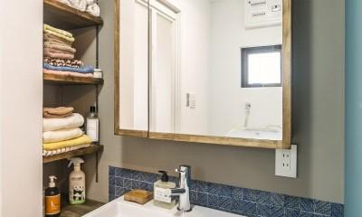 岐阜市O様邸 | BRAND NEW DAY-ヴィンテージ小物と暮らす家- (洗面室)