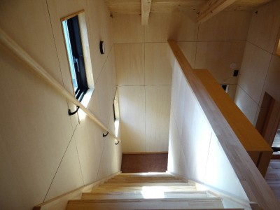ロフト階段 (犬と暮らす家―人とワンコが共に快適に暮らせる家―)