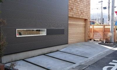 車と暮らす家―大好きな車たちに囲まれながら日常を離れてくつろぐ為のガレージハウス―