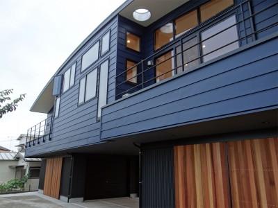 コアジロハウス 住戸B ―眺望を最大限に生かした共同住宅ー (外観)