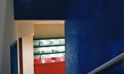 西熱海の陶芸工房のある家 (ベネチアンスタッコ壁を施工した階段室)