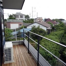 コアジロハウス 住戸B ―眺望を最大限に生かした共同住宅ー (バルコニー)