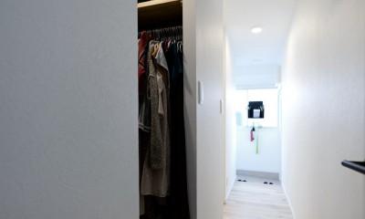 廊下&ウォークインクローゼット|アウトドア&鉄骨フラットアーチ造作! リノベーションでハンモックのある暮らし