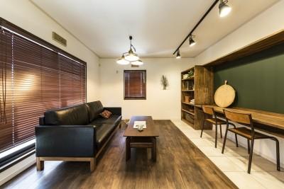岐阜市K様邸~懐かしくて、どこか新しい昔の木造校舎のような家~ (リビング)