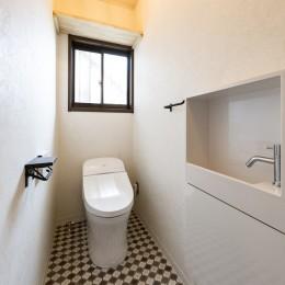 岐阜市K様邸~懐かしくて、どこか新しい昔の木造校舎のような家~ (トイレ)