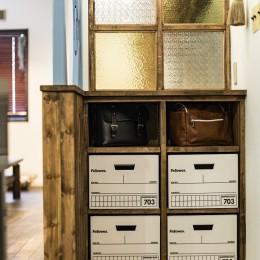 岐阜市K様邸~懐かしくて、どこか新しい昔の木造校舎のような家~ (ロッカーのような収納)