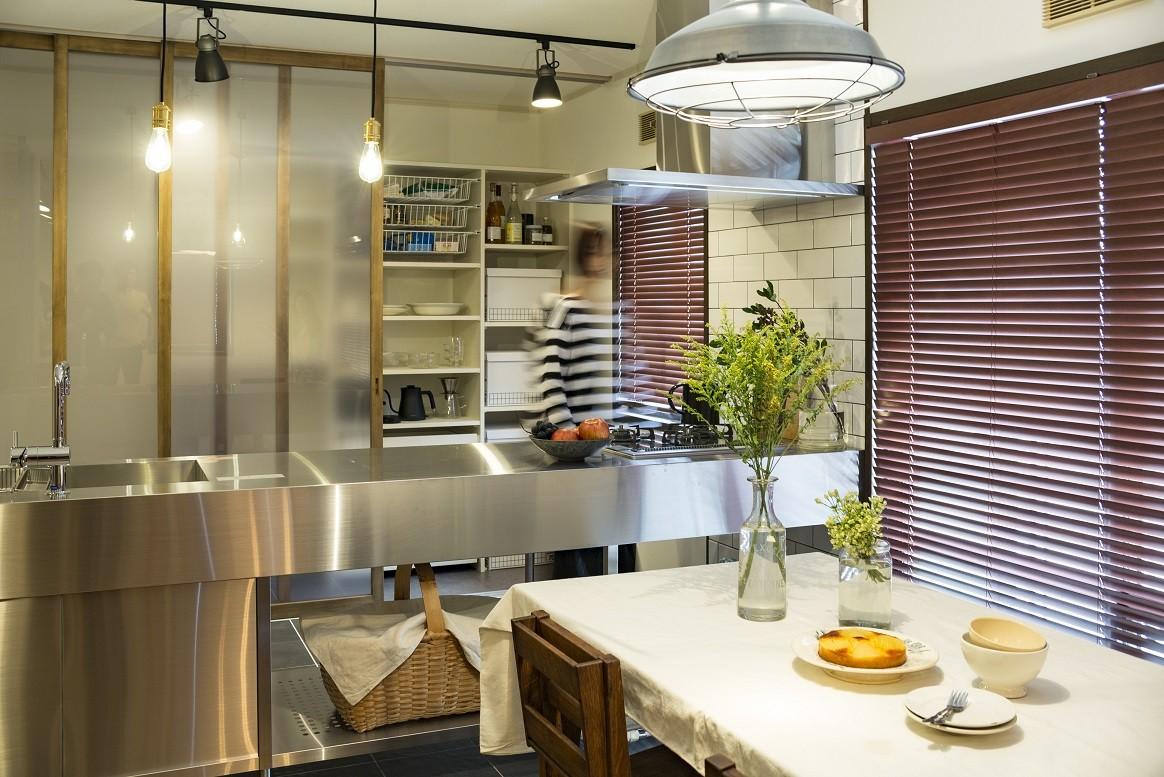 収納事例:キッチン収納(岐阜市K様邸~懐かしくて、どこか新しい昔の木造校舎のような家~)