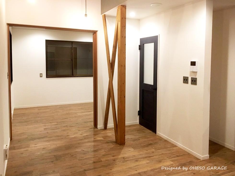 【 カフェのように寛げる趣味と理想の住まい 】―  座間市 O様邸~木造在来工法 中古一軒家の屋内フルリノベーション  ― (リビング・ダイニングスペース)