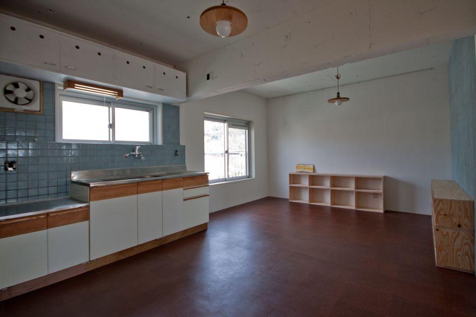 高倉台団地の暮しのハコ301|神戸市須磨区の団地DIYリノベーション (ダイニングキッチン)