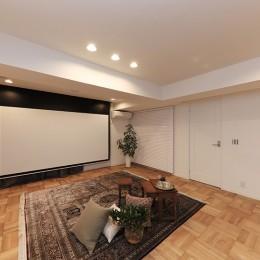 ライフスタイルに合わせた上質な住まい~暮らしにこだわったマンションリノベ~ (大迫力の映像も!120インチ電動スクリーン)