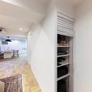 ライフスタイルに合わせた上質な住まい~暮らしにこだわったマンションリノベ~の写真 オーディオ機器の収納にも工夫