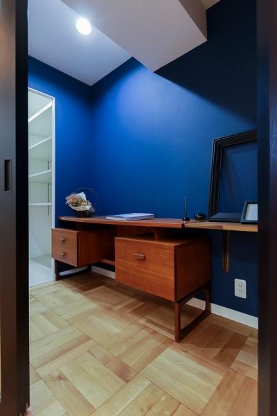 安らぎが得られる書斎 (ライフスタイルに合わせた上質な住まい~暮らしにこだわったマンションリノベ~)
