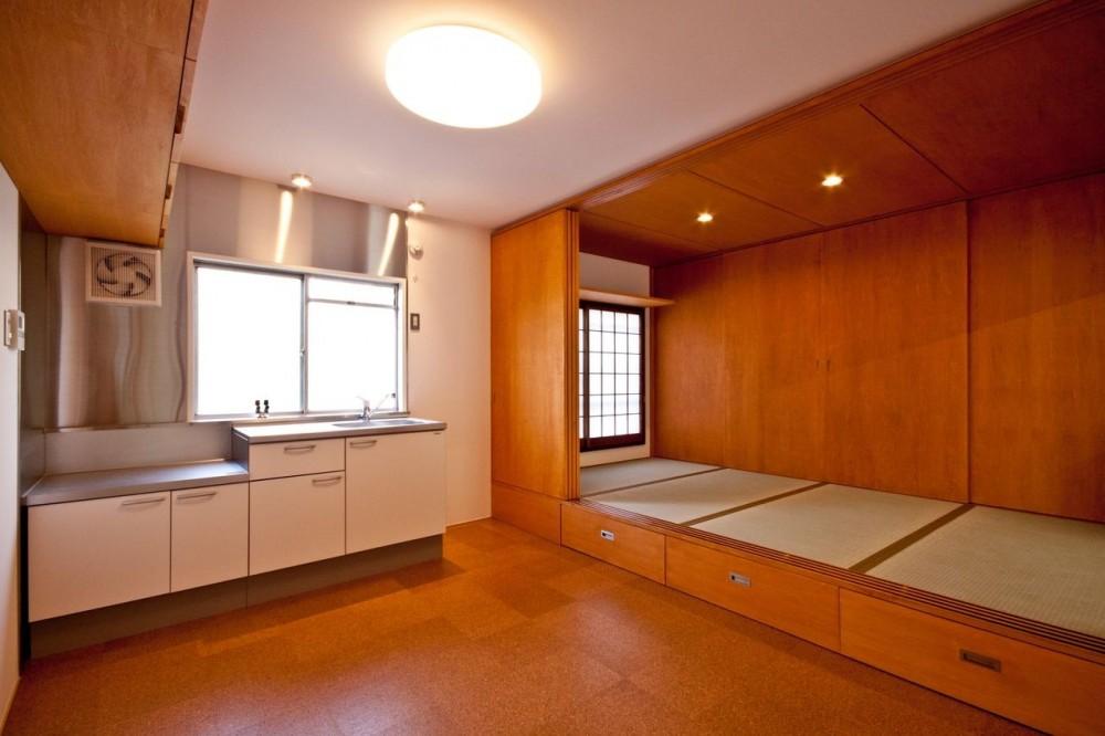 竹の台団地のアトリエ|京都府長岡京市の団地リノベーション。暮らしとしごとが同居する住宅とアトリエ (ダイニングキッチンと和室)