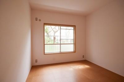 寝室 (竹の台団地のアトリエ|京都府長岡京市の団地リノベーション。暮らしとしごとが同居する住宅とアトリエ)