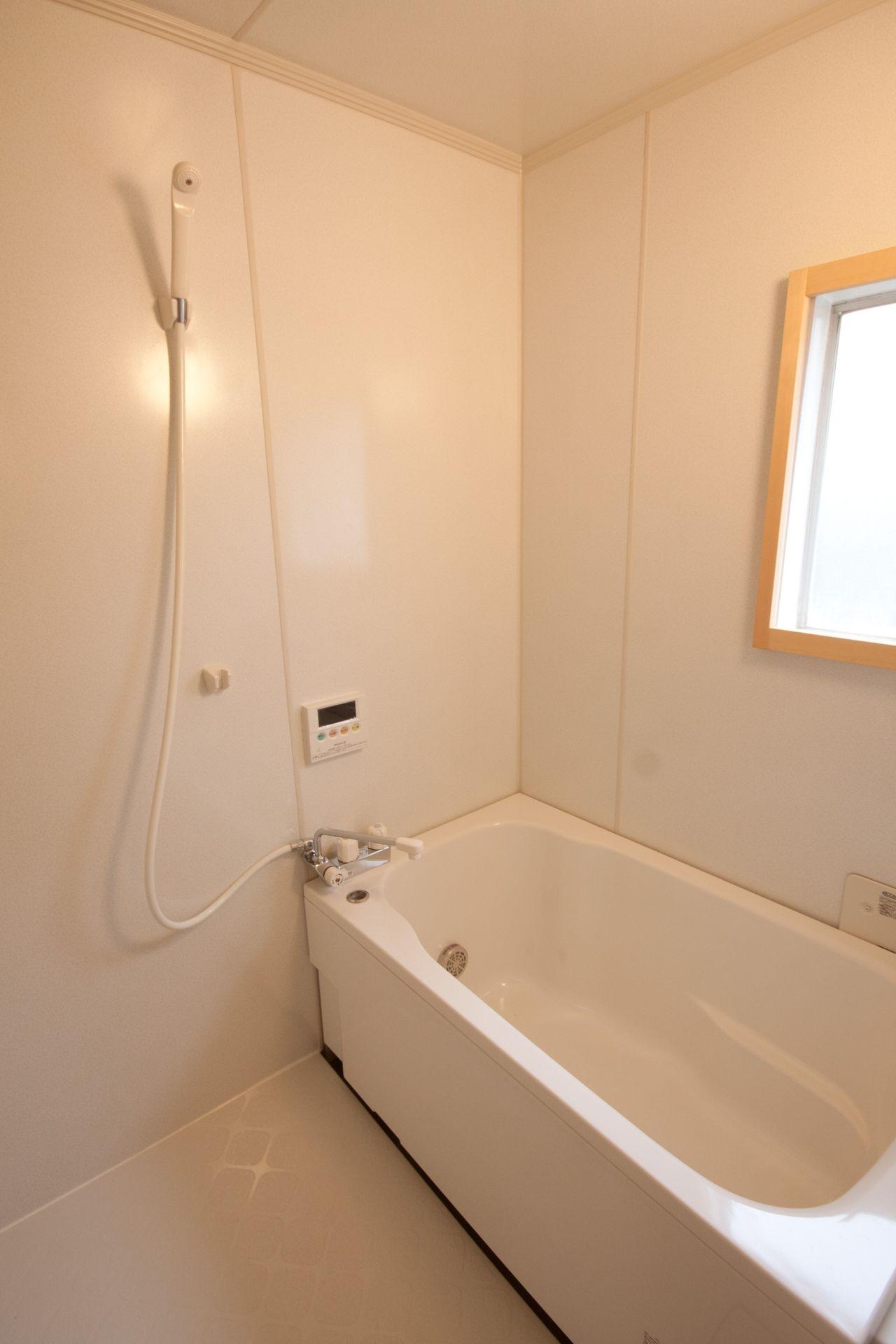 竹の台団地のアトリエ 京都府長岡京市の団地リノベーション。暮らしとしごとが同居する住宅とアトリエ (浴室)