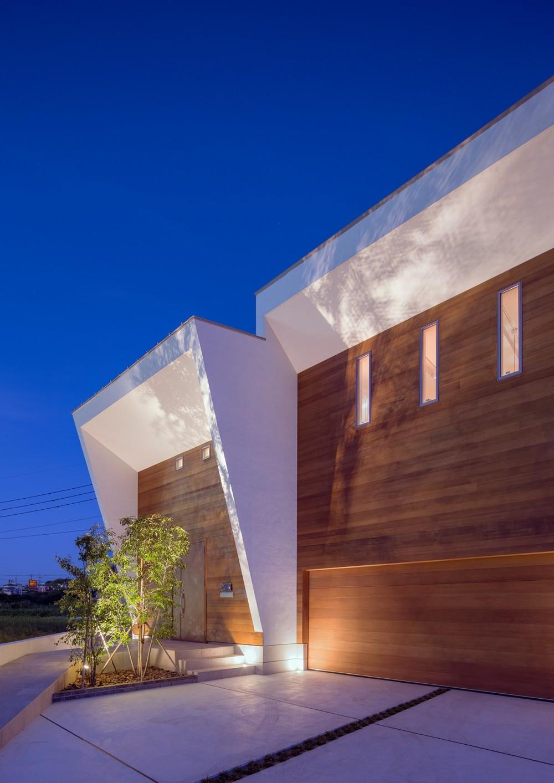 I6-house「木漏れ日のある家」 (外観夕景3)