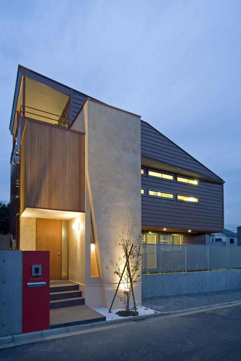 埼玉県和光市の区画整理地の家の写真 ライトアップするとより魅力がアップする外観