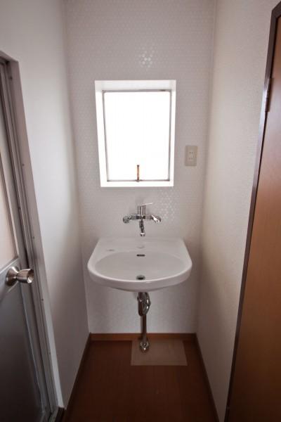 洗面室 (円明寺ヶ丘団地リペア|大山崎の円明寺ケ丘団地の改装。以前の改装で失われた団地ならではの快適さを取り戻す。)