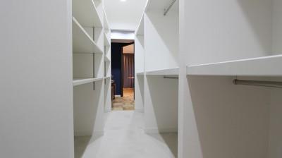 収納力抜群でお部屋もスッキリ! (ライフスタイルに合わせた上質な住まい~暮らしにこだわったマンションリノベ~)