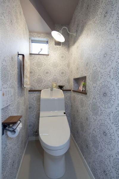 トイレ (大人かわいい家)