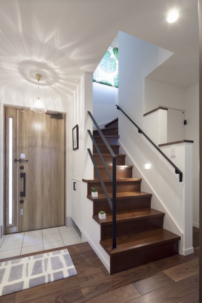 アイアン調階段 (大人かわいい家)