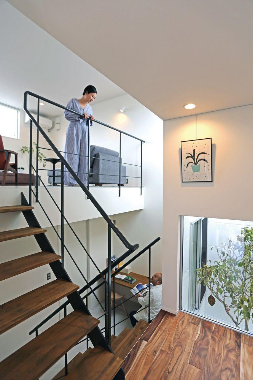 階段 (S-House)