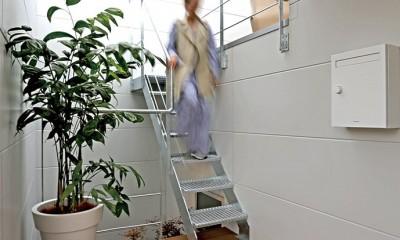 S-House (テラスにつづく階段)
