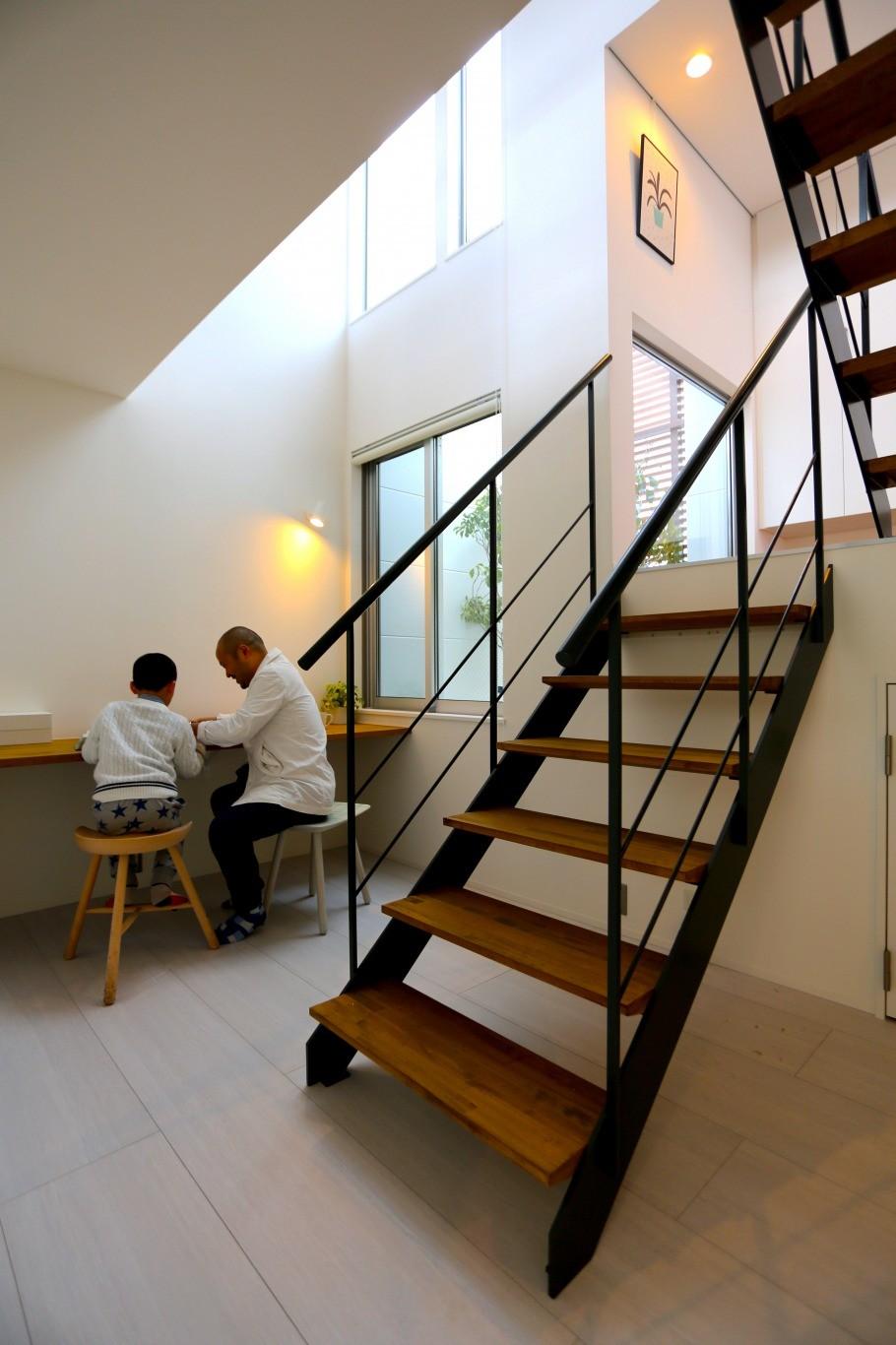 S-House (階段)