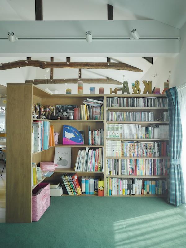 NE-CODATE-二世帯住宅+猫部屋、家族が集まる広い縁側 (寝室)