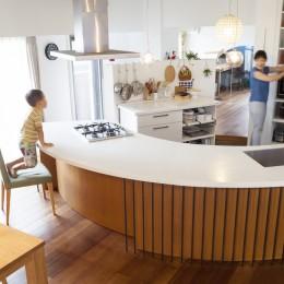 """W邸-124平米の広さをいかした巨大""""ワンルーム"""""""