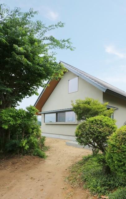 大きな屋根の家 (外観)