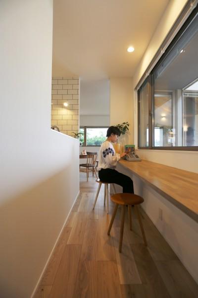 カウンター/スタディーコーナー (大きな屋根の家)