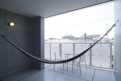 kirishima-no-ie   屋根も壁も、コンクリート打放しの仕上げです。 (アウトリビング)