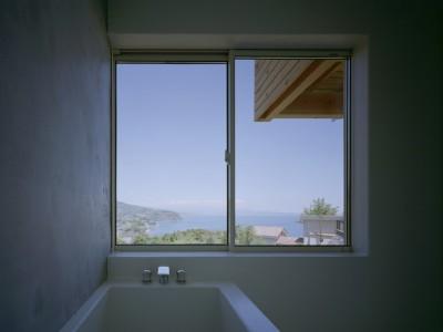 浴室 (半島の家)